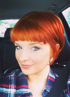 50 Short Bob Hairstyles & Haircuts With Bangs While long hair has its own romantic beauty, there is something undeniably adorable yet edgy about short hairstyles with bangs. Bob Haircut With Bangs, Bob Hairstyles For Fine Hair, Short Hair With Bangs, Short Hairstyles For Women, Hairstyles Haircuts, Short Bob Bangs, Pixie Bangs, Blonde Pixie, Hair Bangs
