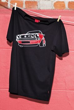 The one and only! Lovers of the Golf GTI I can now express their enthusiasm for this classic model by wearing it – the high-quality men's T-shirt features a red and white print of the legendary Volkswagen on the front side. (Shipping within Germany, international purchase via Volkswagen dealership.)