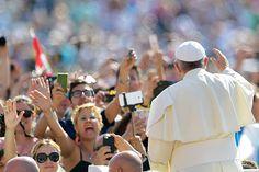 Encíclica do Papa Francisco pede pela preservação do meio ambiente e do clima. É a primeira vez que o documento da Igreja Católica se preocupa com questões ambientais. (Foto: Vincenzo Pinto/AFP)