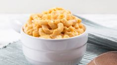 Learn how to cook Instant Pot Mac and Cheese (Pressure Cooker Mac and Cheese). Make this dreamy & creamy Pressure Cooker Mac and Cheese. Mac And Cheese Pressure Cooker Recipe, Instant Pot Mac And Cheese Recipe, Macaroni N Cheese Recipe, Instant Pot Pressure Cooker, Pressure Cooker Recipes, Pressure Cooking, Cheese Recipes, Cooking Recipes, Crockpot Recipes