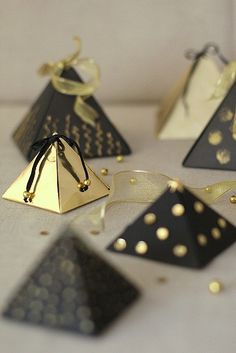 Christmas Packaging Ideas by cafe noHut, via Flickr