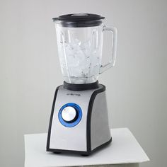 recipe idea: Boil veggies in broth, then whirl in the blender with some soft tofu for a fast, creamy soup. Best Vitamix, Visalus Shake, Kitchen Blenders, Compact, Cook Smarts, Smoothie Makers, Best Blenders, Healthy Herbs, Cooking Appliances
