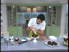 Muffins de yogur y mandarina    http://elgourmet.com/receta/15451-muffins_y_cupcakes