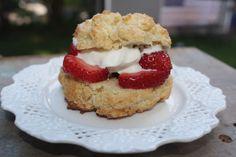 low FODMAP & Gluten Free strawberry shortcake!