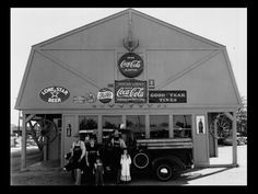 """Goode Company BBQ on Kirby Drive, Houston, TX in 1977.  """"You Might Give Some Serious Thought to Thanking Your Lucky Stars You're in Texas!"""""""