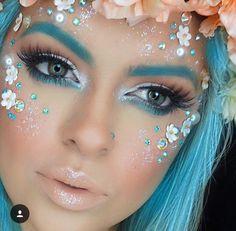MN Source by afvfvsdf Unicorn Makeup, Mermaid Makeup, Crazy Makeup, Pretty Makeup, Jewel Makeup, Halloween Makeup Looks, Halloween Ideas, Fantasy Make Up, Face Jewellery