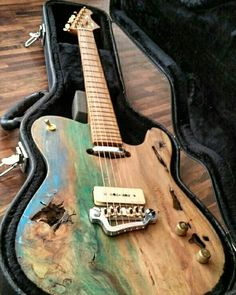 Recycle wood guitar