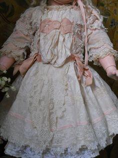 ~~~ Pretty French Silk BeBe Dress with Bonnet ~~~