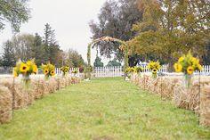 hale bales seating for outdoor wedding | farm wedding lounge i love farm weddings http www ilovefarmweddings ...
