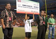 Hawaii Bowl Foundation Check Presentation