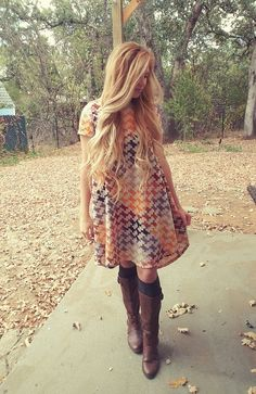 Nice 60 LuLaRoe Outfit Ideas https://fazhion.co/2017/03/27/60-lularoe-outfit-ideas/ Tunics are created with leggings in mind. A blouse and pants by way of example will cause you to look short unless... 1). If your black dress has lots...