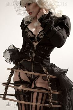 Safari Steampunk Anyone? Steampunk is a rapidly growing subculture of science fiction and fashion. Steampunk Cosplay, Steampunk Mode, Steampunk Outfits, Gothic Steampunk, Steampunk Clothing, Steampunk Lingerie, Gothic Metal, Victorian Gothic, Steampunk Couture