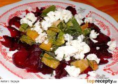 Salát z červené řepy  s paprikou a ovčím sýrem