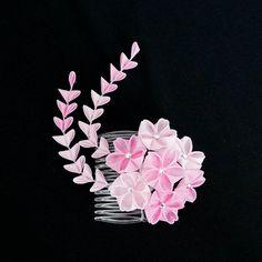 cherry blossom (sakura) tsumami kanzashi. hana kanzashi in pink with shidare