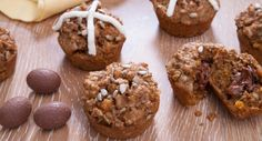 Who says no to a muffin with a heavenly chocolate centre? These make for a yummy Easter treat! Bran Muffins, Breakfast Muffins, Breakfast Recipes, Easter Recipes, Fall Recipes, Healthy Recipes, Easter Treats, Different Recipes, Baking Recipes