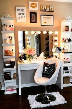 New ideas makeup vanity decor beauty room mirror Makeup Shelves, Vanity Shelves, Vanity Drawers, Shelf Desk, Makeup Table Vanity, Vanity Ideas, Makeup Vanities, Vanity Tables, Mirror Ideas
