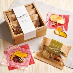 85 Best Brownie homemade images in 2019 Chip Packaging, Packaging Snack, Spices Packaging, Bakery Packaging, Food Packaging Design, Packaging Design Inspiration, Vegetable Packaging, Vegetable Chips, Food Branding