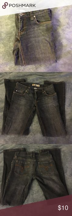 """Roxy Flare Jeans Gently used, Roxy flare-legged jeans. These jeans are in excellent condition, with no rips, stains or holes. 8"""" leg opening, 30"""" inseam. Color is a blackish gray. Roxy Jeans Flare & Wide Leg"""