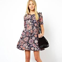 Paisley Asos Shift Dress Short sleeve, t-shirt material, shift dress! Fitted above the bust and then swing/shift cut as it lengthens! Worn only twice! ASOS Dresses Mini