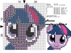 Schema punto croce Twilight Sparkle solo viso 26x29 7 colori.jpg (275.62 KB) Mai osservato