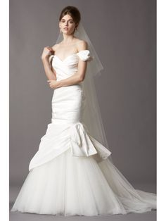 Trumpet / Mermaid Off the Shoulder Court Train Wedding Dresses