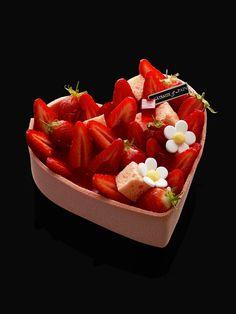 Coeur Gourmand J'Adore la Fraise! - Des Gâteaux et du Pain #fraise #strawberry #pastry #gastronomy #macaronsetgourmandises