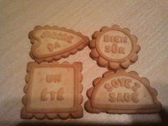 """Le biscuits """"pour chien"""" que ma grand-mere achetais et que nous mangions bien plus souvent que le chien :)"""