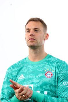 Manchester City, Fc Bayern Munich, Sports Celebrities, Bmw M4, Athletic Men, How Train Your Dragon, Goalkeeper, Disney Drawings, Football Soccer