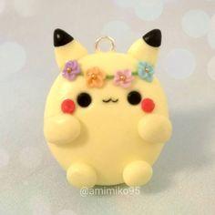 "488 Me gusta, 20 comentarios - Ariane (@amimiko95) en Instagram: ""Holaa!! :D Today I present this Pikachu charm. His name is Bolukachu :)) #clay #claycharms…"""