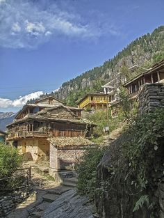 The tranquil and traditional atmosphere of #Vashisht, #Himachal Pradesh is known for its sweeping valley views and sulphurous hot-water springs.  #incredibeIndia #Wanderlust #stayzilla #India #wanderlust #travel #HimachalPradesh  Photo credit: xsaltor