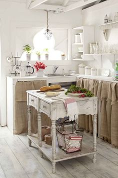 Cucina bianca e rovere: 15 idee luminose per ispirarvi...