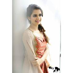 Beautiful Girl Photo, Beautiful Girl Indian, Most Beautiful Indian Actress, Beautiful Women, Beauty Full Girl, Cute Beauty, Beauty Women, Beautiful Bollywood Actress, Beautiful Actresses