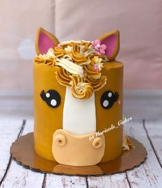 vanilla cake with peaches and strawberries inside! Horse Theme Birthday Party, 6th Birthday Cakes, Cowgirl Birthday, Horse Party, 8th Birthday, Cake Designs For Girl, Cowgirl Cakes, Horse Cake, Animal Cakes