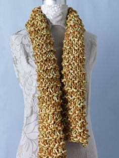Free pattern: 2 hour knitted scarf. #knitting