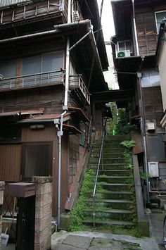 一葉の路地奥の階段 - 東京の階段 DB Japan Architecture, Beautiful Architecture, Architecture Design, Japanese Buildings, Bg Design, Aesthetic Japan, Japan Street, Japan Photo, Environment Design