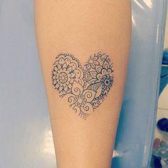 Tattoo Femininas Ombro Pequena Best Ideas Best Picture For tattoo mother daughter For Your Taste Mini Tattoos, Body Art Tattoos, Small Tattoos, Sleeve Tattoos, Tattoo Drawings, Pretty Tattoos, Beautiful Tattoos, Cool Tattoos, Tatoos