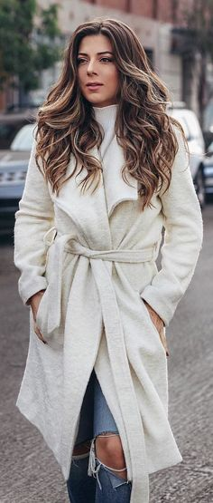 #winter #outfits white bathrobe. Pic by @lillianbabaian.