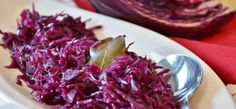 aszalt szilvás párolt lila káposzta mézzel Braised Red Cabbage, Sauteed Cabbage, Christmas Dinner Sides, Beef Roll, Homemade Applesauce, Spicy Dishes, Dinner Dishes, Thanksgiving Recipes, Vegetarian Recipes
