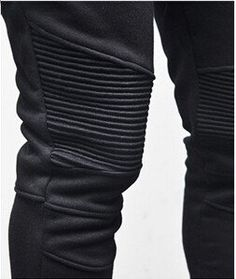 Panel Detailing of our Skinny Fit Harem Sweatpants  Our high quality, comfort fit sweatpants are brilliant for casual wear and streetwear and can be paired with any t-shirt, hoodie or sweater. The taper from the knee creates a slim carrot fit aesthetic and the panel detailing is an eye-catching additional styling.  ❌✖️️❌✖️️  longline, longline clothing, online shopping, streetwear, urban wear, on sale, yeezy season, kanye fashion, street style, london, uk