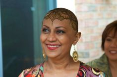 These Cancer Patients Are Proud Of Their 'Henna Crowns' :: FOOYOH ...