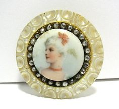 VICTORIAN-MOTHER-OF-PEARL-MARCASITE-PORCELAIN-PORTRAIT-BUTTON-35-MM