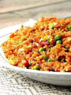 riz cantonais Plus by beefevm Read Seafood Soup Recipes, Rice Recipes, Lunch Recipes, Asian Recipes, Healthy Dinner Recipes, Mexican Food Recipes, Cooking Recipes, Ethnic Recipes, Authentic Mexican Recipes