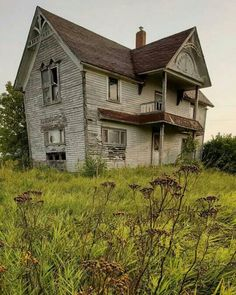 Abandoned Places, All Over The World, All Pictures, Old Houses, Interior And Exterior, Buildings, Cabin, House Styles, Home Decor