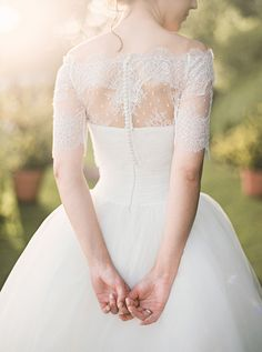 Such a beautiful gown, image by André Teixeira