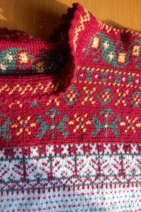This is traditional Finnish needlework. Several people make at the same time. Crochet Stitches, Knit Crochet, Crochet Sweaters, Textiles, Warm Outfits, The Conjuring, Hobbies And Crafts, Sweater Weather, Tartan