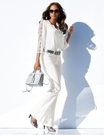 Elegant style made of comfortable stretch cotton, with subtle washed effect and in on-trend shape. Bluse Outfit, Pants Outfit, Sexy Classy Style, White Silk Blouse, White Blouses, Madeleine Fashion, Styles P, Mode Chic, Trends