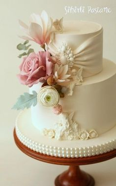 Wedding Cake with Angels by Sihirli Pastane - http://cakesdecor.com/cakes/282293-wedding-cake-with-angels