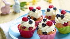 muffiny - Hledat Googlem Fruity Cupcakes, Mini Cupcakes, Lidl, Muffins, Cheesecake, Sweets, Food, Instagram, Cheesecake Cake