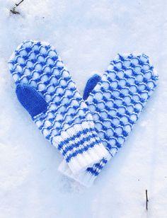 Sinivalkoiset lapaset Novita 7 Veljestä | Novita knits