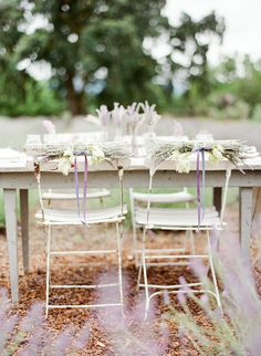 Love the simple use of lavender as a base theme. I want to be transported here with a bottle of champagne and great company.
